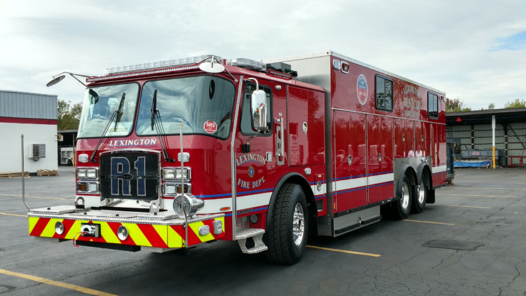 E-ONE Stainless Steel Walk-in Heavy Rescue Truck
